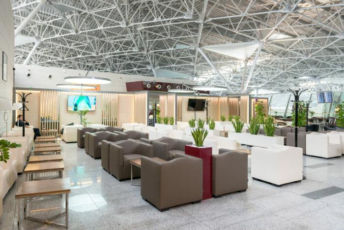 gde nahodyatsya biznes zaly vo vnukovskom aeroportu i usloviya ih poseshheniya